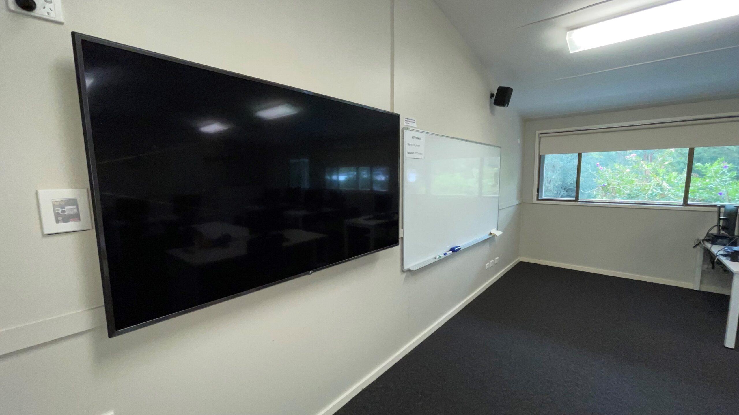 room 2 tv